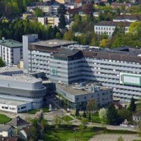 Schloßberg 14873  4910 Ried im Innkreis Telefon: 07752 6020